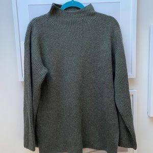 Everlane mock neck cashmere sweater
